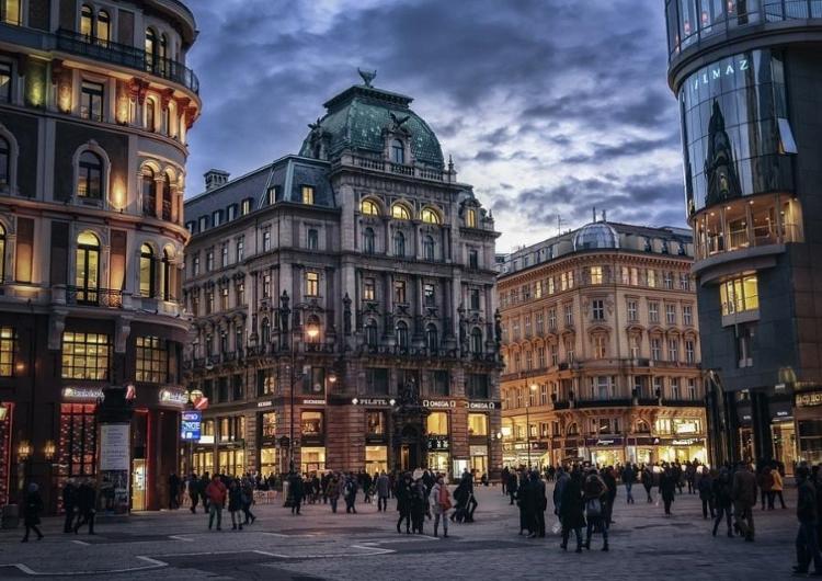 Dinamik Viyana Prag Turu